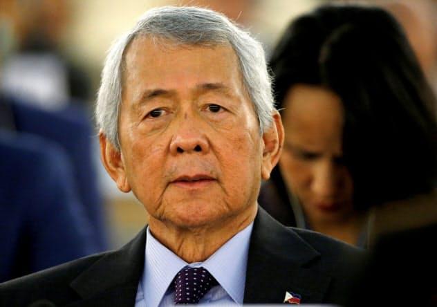 逮捕されたフィリピンのヤサイ元外相(2017年2月)=ロイター