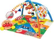 バンダイの赤ちゃん向け玩具「脳科学メロディ あそんではぐくむプレイマットDX」。赤ちゃんはマットに寝転び遊べる