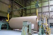 飲料や青果物の荷動きが振るわず、段ボール原紙は低い伸びにとどまった(国内の工場)