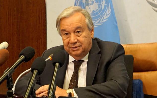 インタビューに応じる国連のグテレス事務総長(23日、ニューヨークの国連本部)