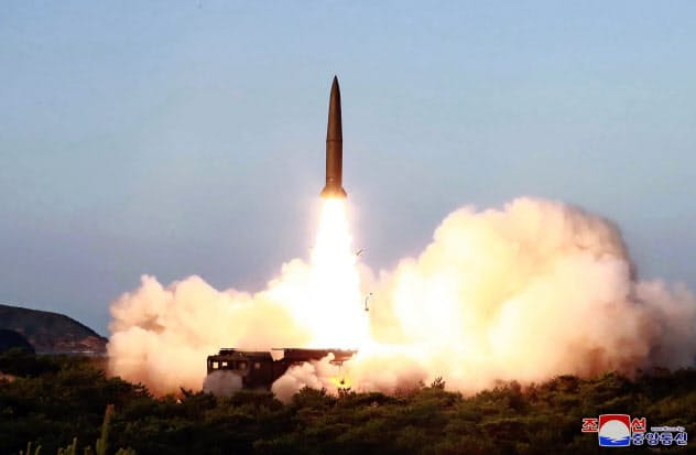 北朝鮮ミサイル発射 日韓協定破棄の通知後初めて