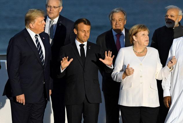 G7サミットでは首脳らの足並みがそろわなかった(25日、仏ビアリッツ)=ロイター