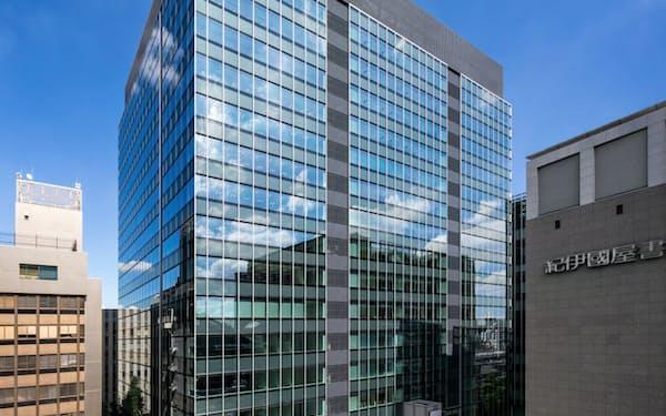 複合ビル「リンクスクエア新宿」(東京・渋谷)はJR新宿駅とデッキで直結する。