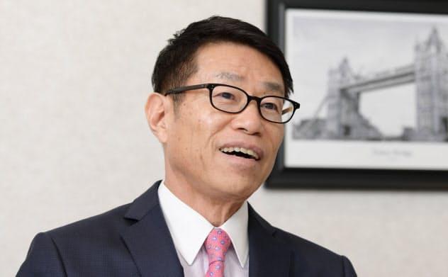 フューチャー 金丸恭文会長兼社長