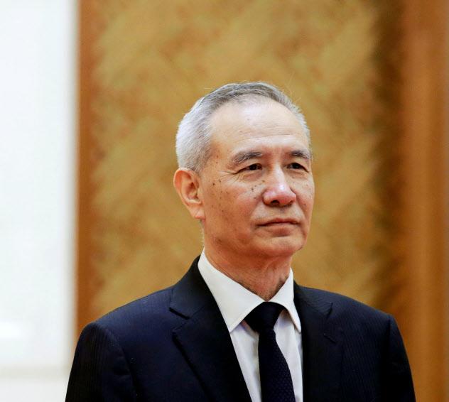 中国の劉鶴副首相(6月、北京)=ロイター