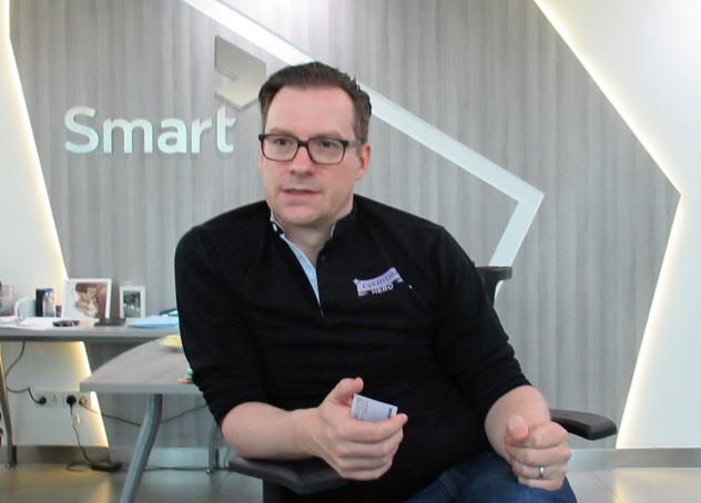 取材に応じるスマートのトーマス・フント最高経営責任者(CEO)