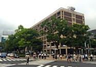 再開発事業者として応募した3グループを集めてコンペを実施した(27日、横浜市役所)