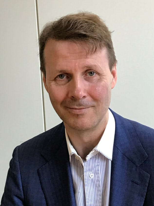 Risto Siilasmaa 1966年フィンランド生まれ。ヘルシンキ工科大理学修士修了。88年にウィルス対策ソフトのFセキュアを創業し、99年に上場。12年にノキアの会長兼暫定CEOに就任。携帯端末世界最大手だったノキアを通信機器大手に衣替えし、同社復活の道筋をつけた。