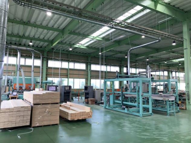 倉庫能力の拡張で大口顧客への対応力も高める(浜松市の浜北工場)