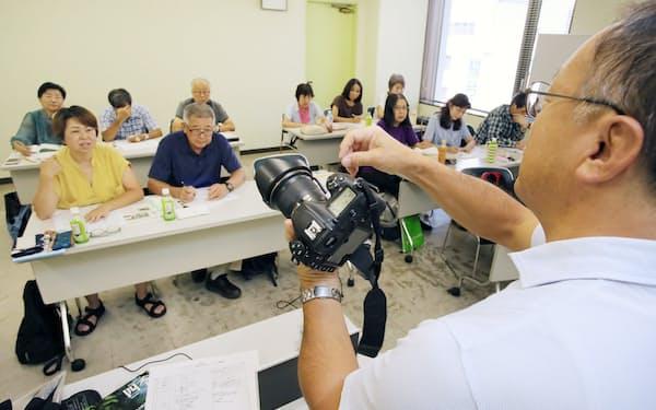 シニアに人気の写真撮影教室(横浜市神奈川区のかながわ県民センター)