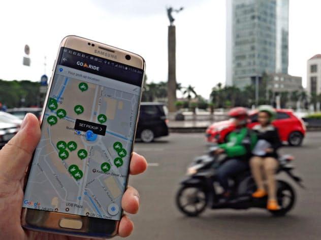ゴジェックは二輪車を使った配車や宅配などを手掛ける(ジャカルタ中心部)
