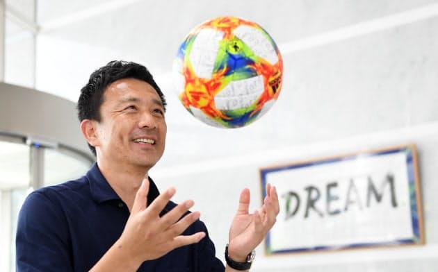 下田崇はGKコーチとなってわずか6年で東京五輪をめざす世代の代表コーチになった(2019年8月、東京都文京区のJFAハウス)