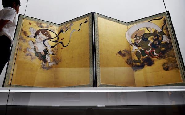 京都国立博物館に展示されている「風神雷神図屏風」(国宝、建仁寺蔵)