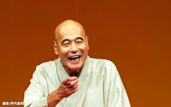 熟練の語りを披露した「昭和入門軍」。雀三郎がそのトリを飾った=坪内喜則撮影