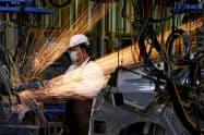 タイ国内の製造業への出荷も増やしたい考え(タイ中部の自動車工場)=ロイター