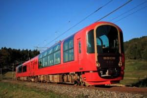 えちごトキめき鉄道のリゾート列車「雪月花」