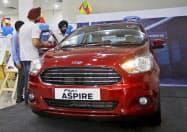 インドでは自動車の販売が落ち込んでいる=ロイター