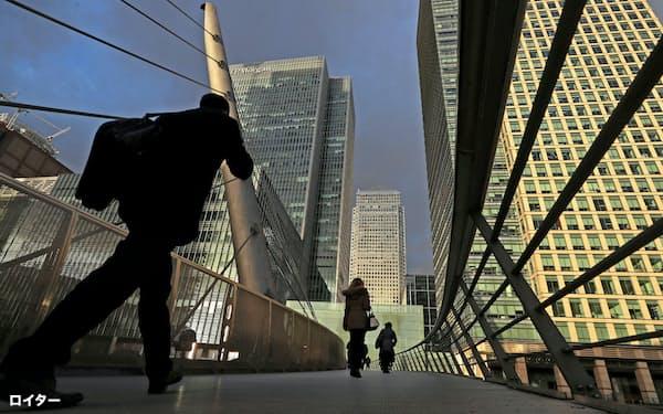 ポストLIBORへの危機感は広がっていない(英ロンドンの新金融街「カナリー・ワーフ」に向かう人々=ロイター)