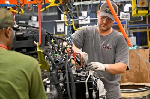 米ゼネラル・モーターズは昨年11月以降、米中西部の複数の工場で数千人を解雇した。写真は同社のテネシー工場=ロイター