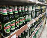 中国では中高級価格のビールの販売が伸びている(遼寧省大連市)