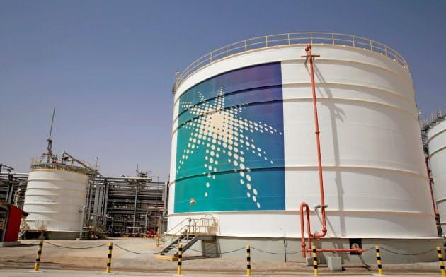 サウジ東部にあるアラムコの石油施設=ロイター