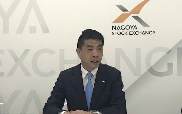 会見で記者の質問に答える神谷健司社長(3日、名古屋市)