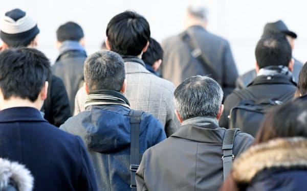 年金が減る仕組みに対して、高齢者の就業意欲をそぐとの批判がある