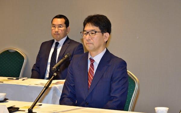 講演した日銀の片岡剛士審議委員(4日、函館市)