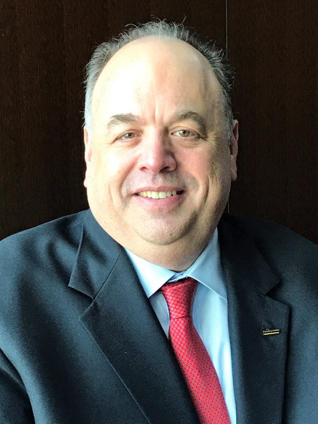 Seth A. Ravin 米南カリフォルニア大学で経営学を専攻。米ピープルソフトや独SAPなどを経て、2005年にリミニストリート設立。年商約2憶5000万ドルの企業に育て、17年に上場を果たした。社名は米ラスベガスにある自宅前の通りの名前から命名した。