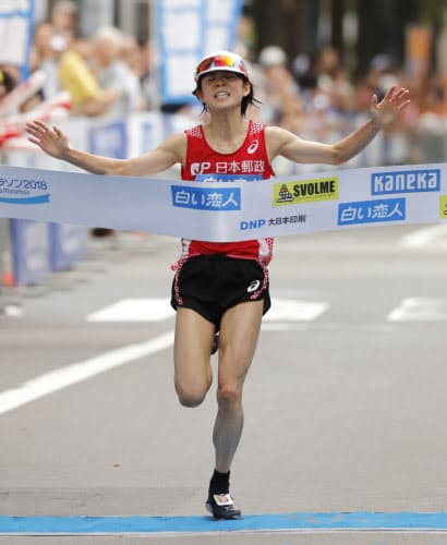 北海道マラソンで優勝を飾った鈴木はMGCがマラソン2戦目となる=共同