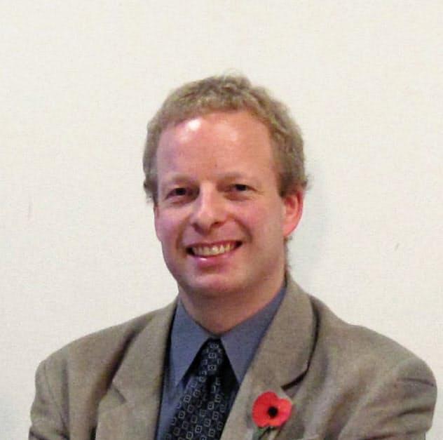 英キングストン大学のロビン・ペティト上級講師