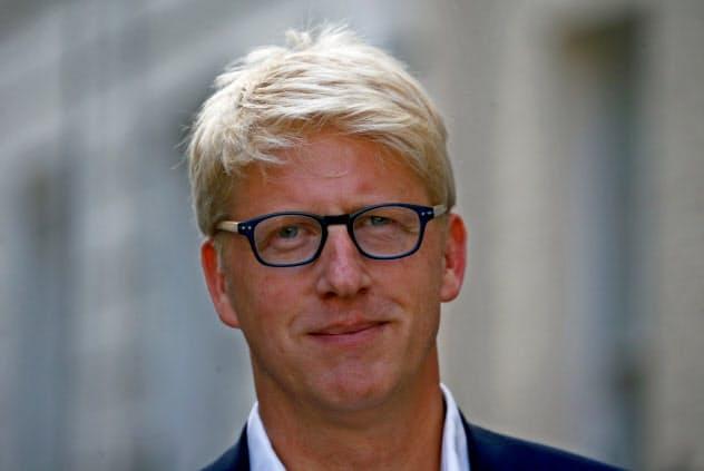 閣外相を辞任した、ジョンソン英首相の弟のジョー氏(5日、ロンドン)=ロイター