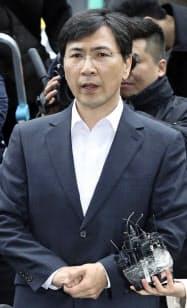 実刑が確定した前忠清南道知事の安熙正被告=聯合・共同