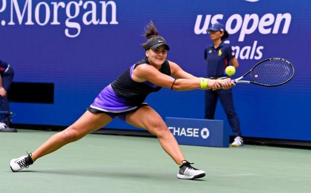 全米テニスの女子シングルスで初優勝したビアンカ・アンドレースクはどんなボールにも食らいつく根性がある=USA TODAY