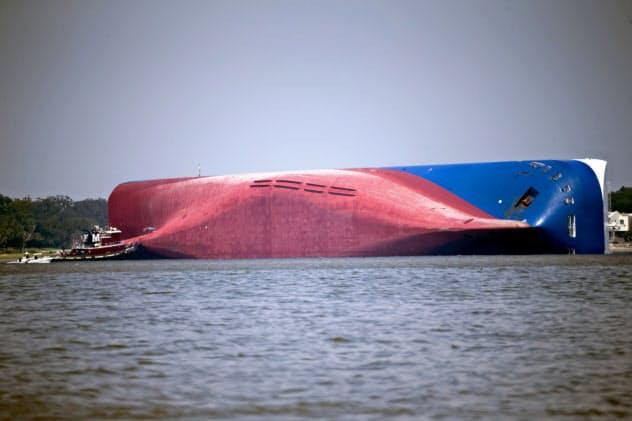 4000台の自動車を積んだ韓国の貨物船が米南部ジョージア州沖で転覆した=AP