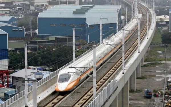 台湾新幹線は日本製の車両を採用している=ロイター