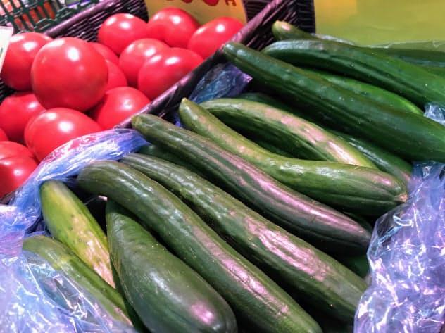 キュウリやトマトの価格が高くなった(都内スーパー)