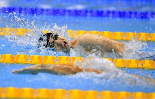 男子100メートル自由形(運動機能障害S4)決勝 2位になった鈴木孝幸(10日、ロンドン)=共同