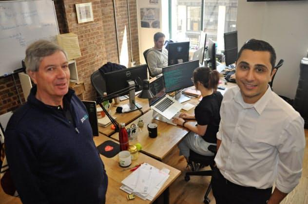 米プリデータ創業者のシン氏(左)はかつて米CIAに所属