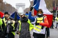 フランス各地で再びデモが計画されている(写真は昨年末のパリ市内)=AP