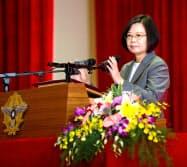 軍関連のイベントで講演する蔡英文総統(8月末、台北市内)=総統府提供