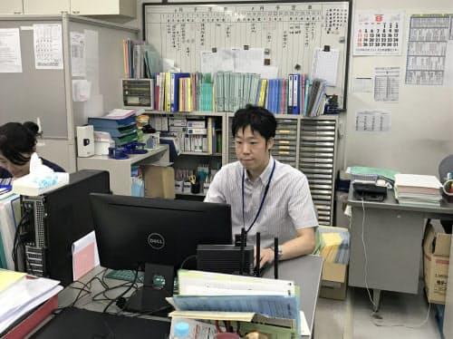 学習塾事業を承継した佐々木社長は新事業展開にも力を入れる(愛媛県今治市内)
