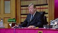 スコットランド上級裁判所はジョンソン首相の議会閉会は、議会の活動を制限する目的があるとみなした(11日、エディンバラ、テレビ映像より)=AP