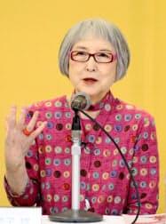 児童文学館への思いを語る角野栄子さん(11日、東京都江戸川区)=共同