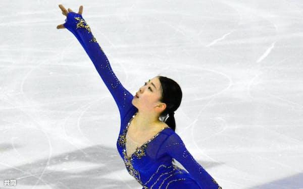 フィギュアスケートのオータム・クラシックへ向け、試合会場で調整する紀平梨花(11日、オークビル)=共同