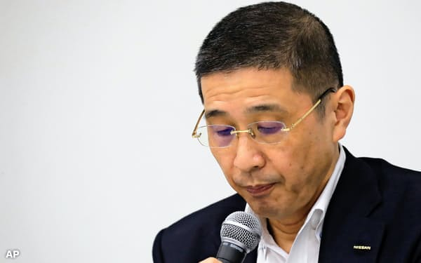 Nissan Chief Executive Hiroto Saikawa attends a press conference in the automaker's headquarters in Yokohama, near Tokyo, Monday, Sept. 9, 2019. Saikawa tendered his resignation Monday after acknowledging that he had received dubious income and vowed to pass the leadership of the Japanese automaker to a new generation. (AP Photo/Koji Sasahara)