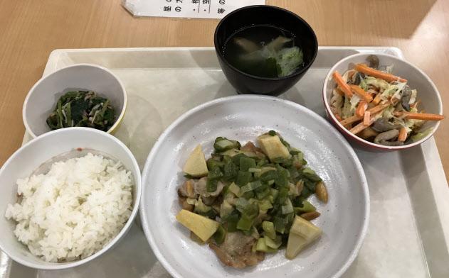 野菜が大きくカットされ、食べ応えがあります(税込み780円)