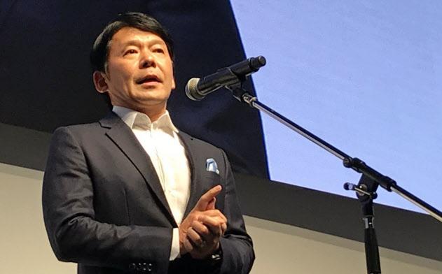 辻本社長は「eスポーツは未来のスポーツになる」と話す