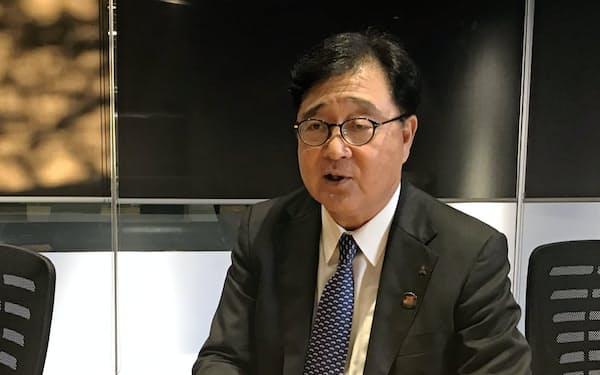 三菱自動車の益子修会長