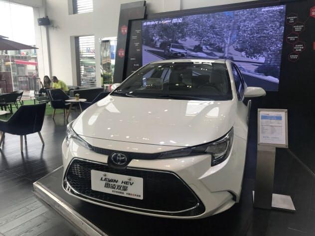 中国政府による低燃費車の優遇方針は、トヨタ自動車などの追い風になると期待されていた(広東省広州市の販売店)